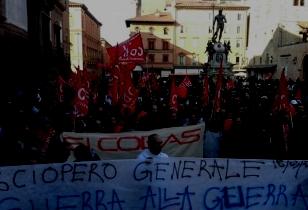Generalstreik 18. März 2016 in Italien, Demo mit großem Transparent: Generalstreik