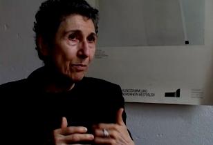 Silvia Federici über ihr Buch sprechend